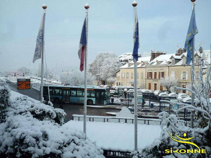 Gare-sous-la-neige-siyonne